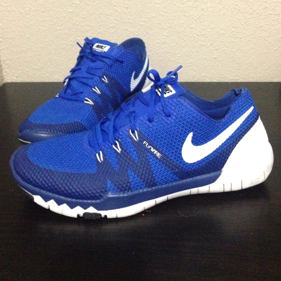 mens nike tennis shoes